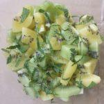 salade verte aux deux kiwis