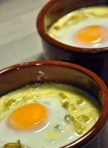 Recette Oeufs cocotte aux poireaux et roquefort
