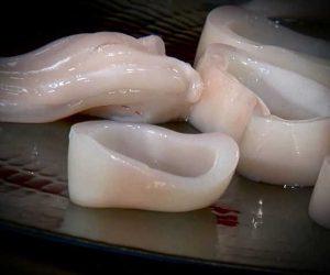couper les poulpes en bracelet