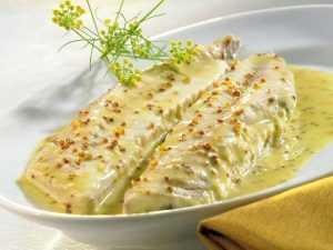 Filets de maquereau grillés à la moutarde à l'ancienne