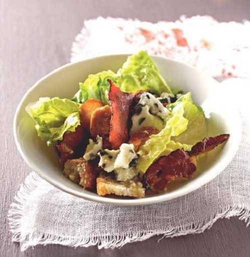 Recette salade façon César au roquefort et au bacon