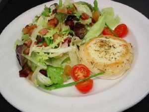 Recette Salade au chèvre, tomates et fruits secs