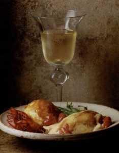 Recette Poularde aux écrevisses à pieds rouges, aux morilles et au vin jaune
