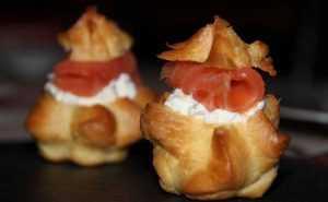 Recette Mini-choux au saumon fumé et crème de carré frais