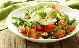 Recette Salade de tomates et chèvre frais au vinaigre de noix