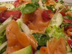 Recette Salade de saumon, agrume, tomate et concombre